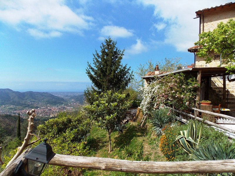 Lucese Holiday Home Sleeps 3 with WiFi - 5226714, location de vacances à Pomezzana