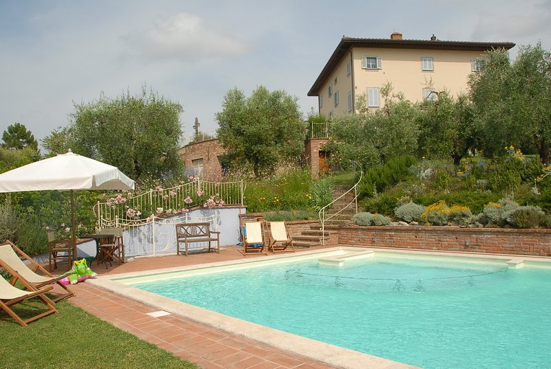 Casa Vanni - le Selve Apartment Sleeps 6 with Pool and WiFi - 5226640, vacation rental in Ponsacco