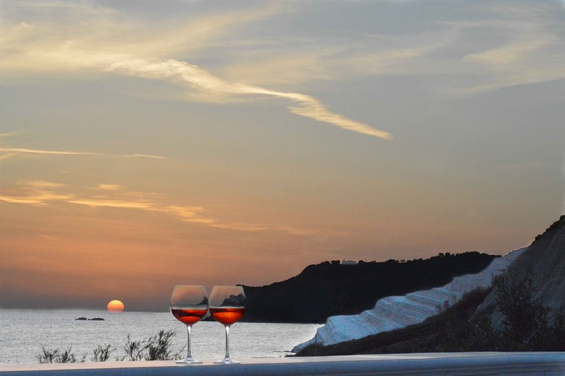 *Salt of The Earth* Beach House Great View /Scala dei Turchi / Agrigento/Sicily, location de vacances à Punta Grande