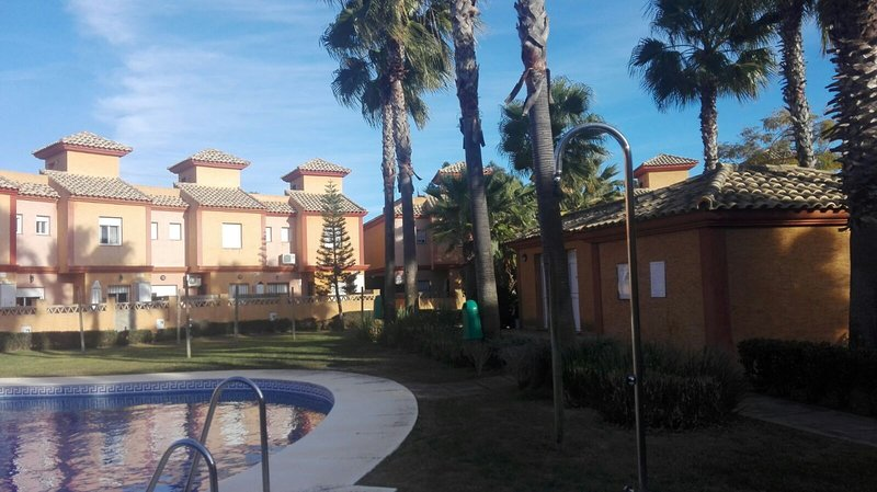 Amazing house with shared pool, holiday rental in Cartaya