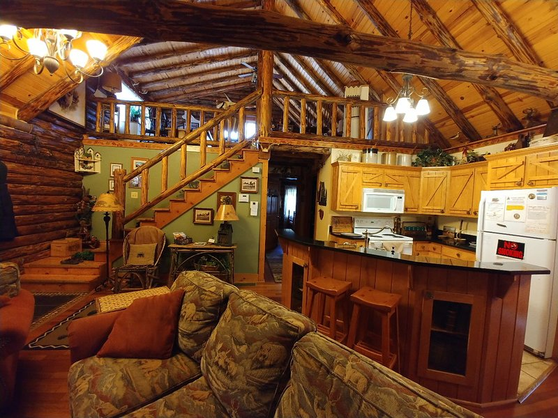 Nuestro alquiler de cabina está completamente amueblada con decoración de la cabina de calidad con su comodidad en mente.