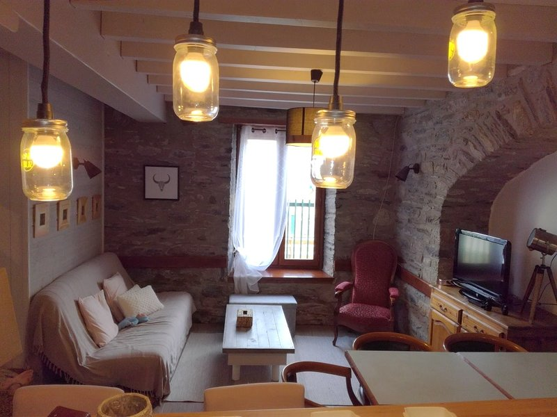 Big house - 500 m from the slopes, holiday rental in Sailhan