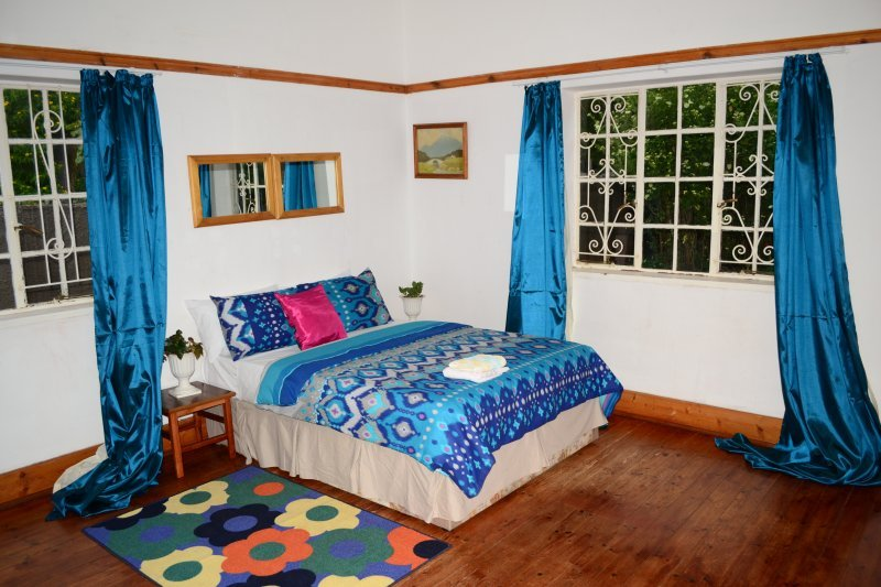 Breeze Guest House (Bedroom 2), vacation rental in Bulawayo