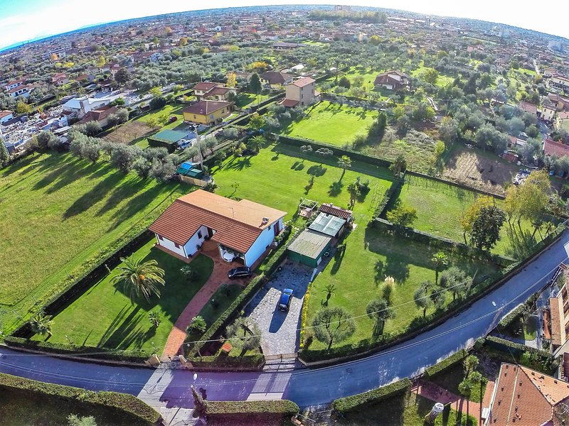 Villa Pergolone - Pietrasanta - Versilia, holiday rental in Ripa-Pozzi-Querceta-Ponterosso