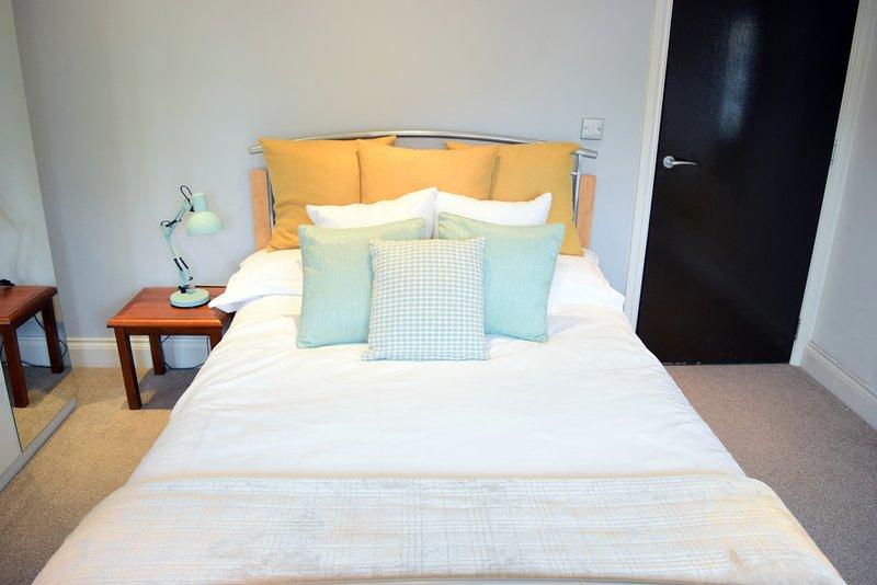 CAMBRIDGE CITY CENTRE 1 Bedroom Flat NEWLY RENOVATED, holiday rental in Madingley