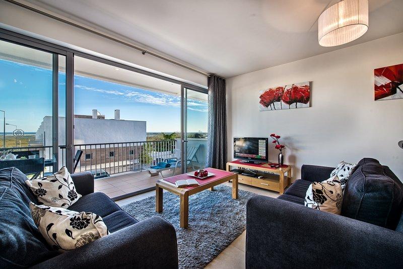 Apartment Bonita|Fabulous, 1st Floor,2 bedroom apartment, sea views, shared pool, aluguéis de temporada em Fuseta