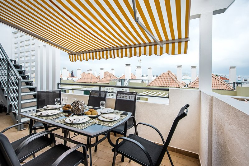 Apartment Veronica | Superb 2 bedroom, 2 bathroom penthouse, roof terrace, airco, casa vacanza a Cabanas