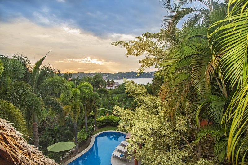 Ventana al Mar, 4 BD/5 BA  private villa!, holiday rental in Sayulita