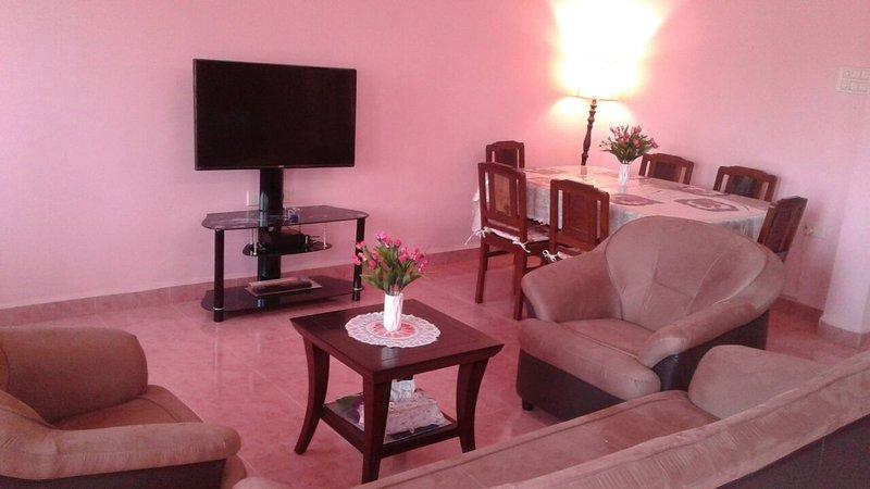 Cozy, large 3BR Apt, North Goa, at Alto Porvorim, vacation rental in Porvorim