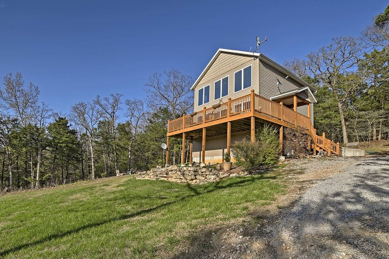 This 2-bedroom, 2-bath home boasts 1,450 square feet and sleeps 6.