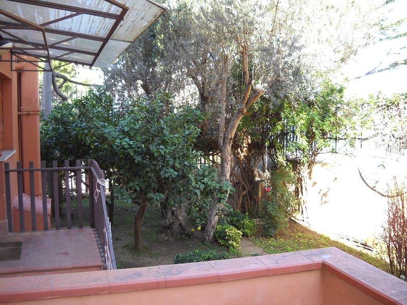 appartamento indipendente  in villa a mondello beach, holiday rental in Alimena