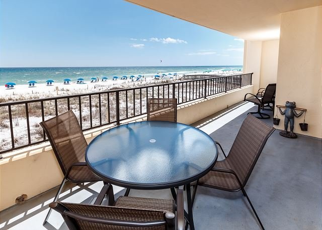 Surf Dweller 203: THIS UNIT IS CALLING YOUR NAME FOR A LASTMIN. BEACH GETAWAY, holiday rental in Fort Walton Beach