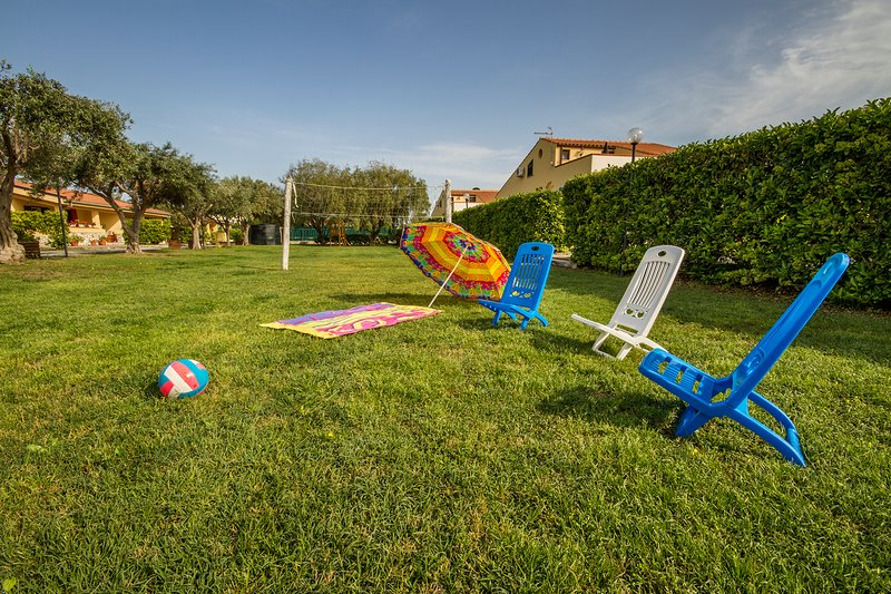 English 2500 square meters lawn.