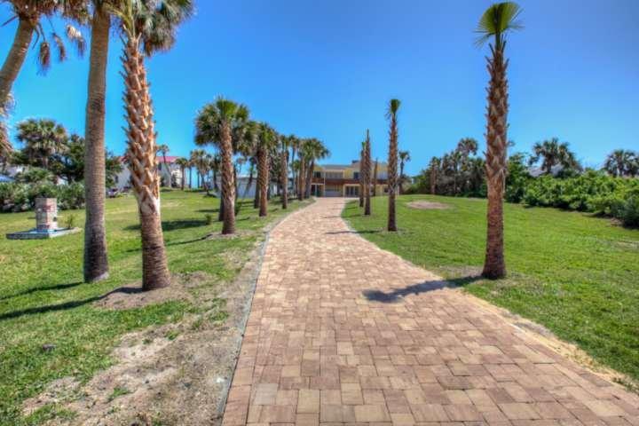 Spaziosa casa di Daytona Beach per ospitare la famiglia e gli amici.