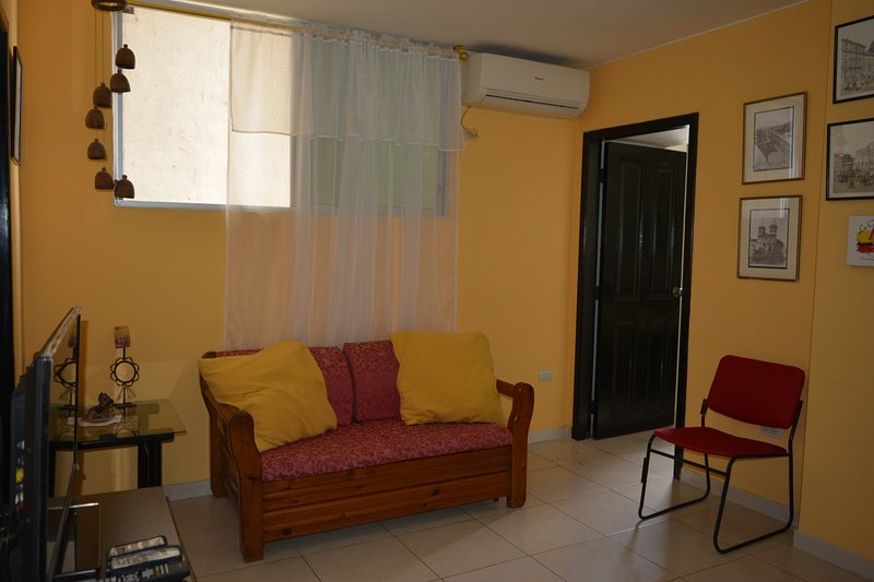 Apartaments Malecon del Salado #2, holiday rental in Guayas Province