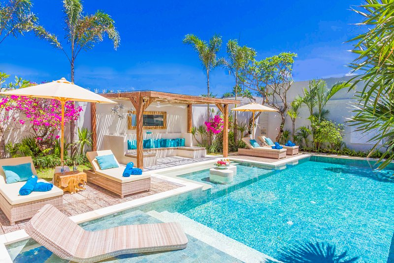 4 bedrooms - Villa SMILLA, holiday rental in Kerobokan Kelod