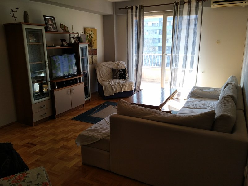 Housekeeping and a peaceful apartment for enjoying