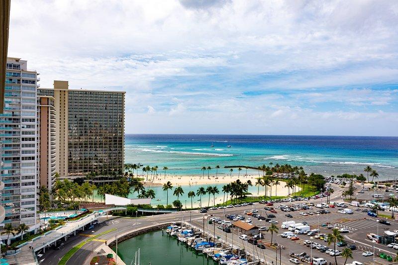 Vista desde este condominio de la Hilton Hawaiian Village Waikiki Laguna y Puerto del yate