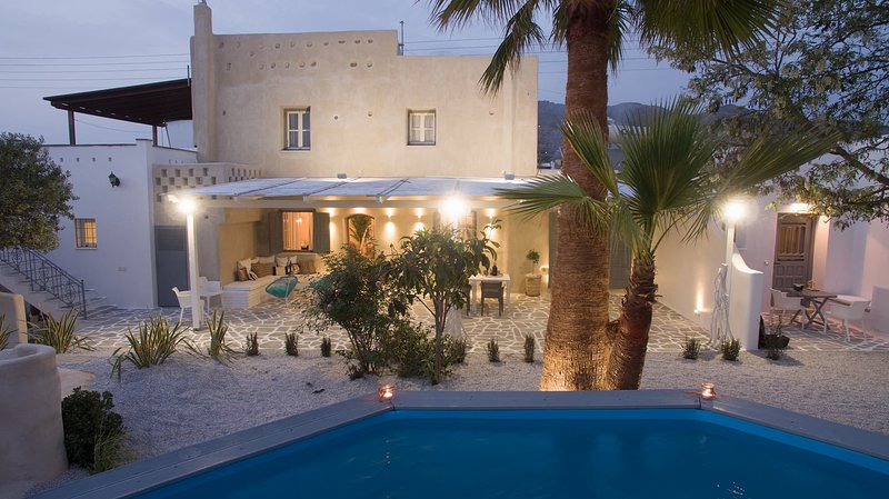 ARCHETYPO VILLA, holiday rental in Agkidia
