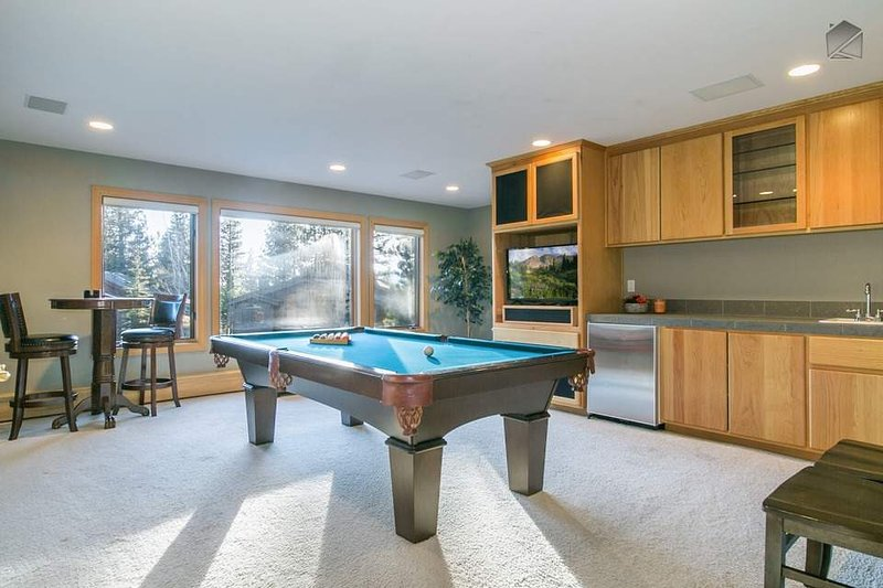 updated 2019 roomy modern incline village home with fire pit and rh tripadvisor ca