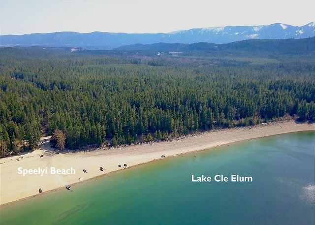 Speelyi Beach on Lake Cle Elum is only a 3 min drive
