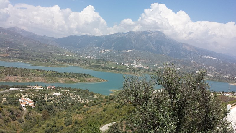 Amazing views of Lake Vinuela from front of house...