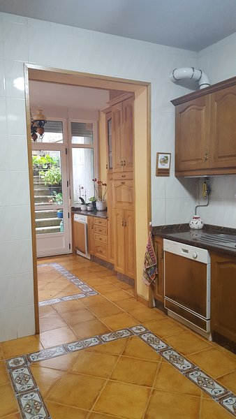 APARTAMENTO CENTRICO MONFORTE DE LEMOS, holiday rental in Sober