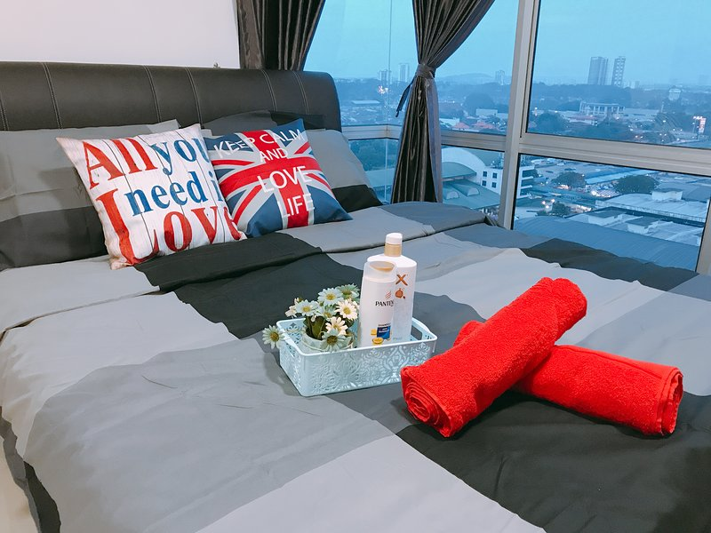 The ING Johor Bahru 3rooms Condo 5 mins to JB town, vacation rental in Taman Molek
