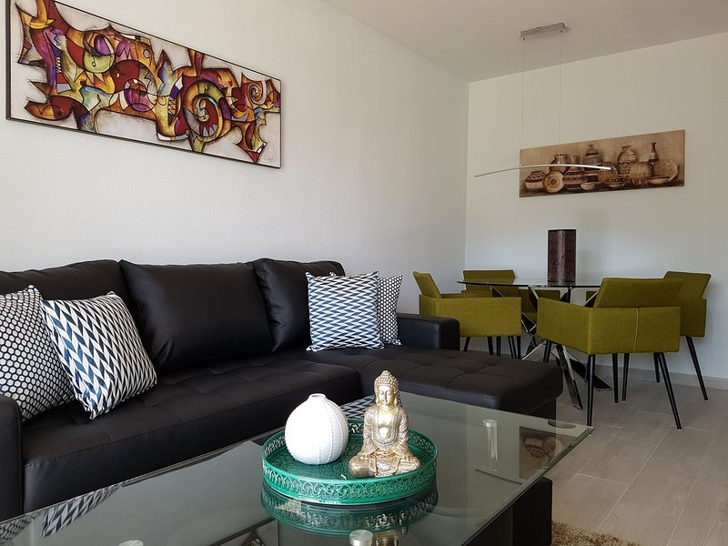Location, Comfort and Elegance II - 200mts from the beach, vacation rental in Torremolinos