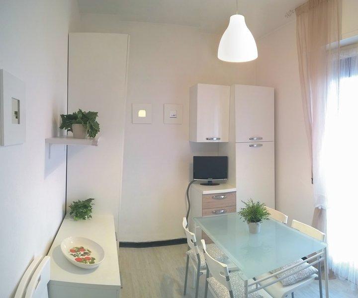 Confine Loano / Borghetto S.S. - Trilocale Tre Pini, location de vacances à Toirano