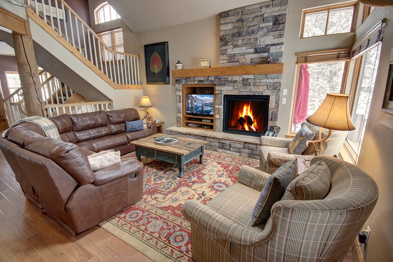 Relax in this huge living room after a long day or skiing or hiking.
