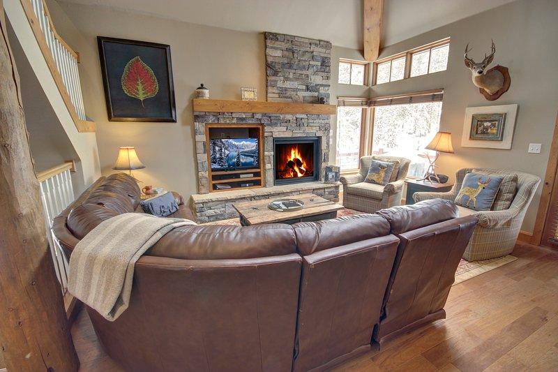 Cozy 4 bedroom condo located in west keystone.
