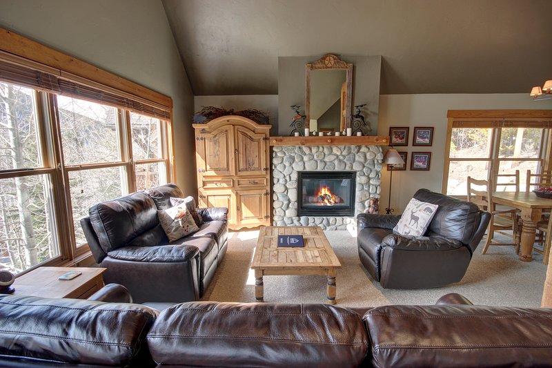 Installez-vous au coin du feu après une longue journée de ski ou de randonnée.
