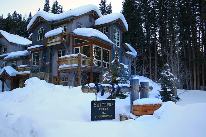 Winter at Settlers Creek Townhomes Keystone