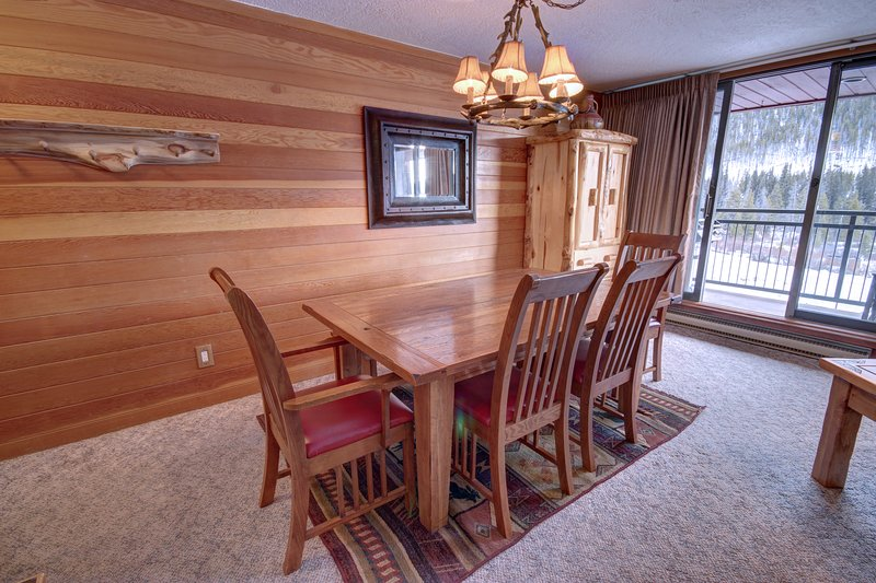 Large dining area for holiday meals or family meals to get caught up on the day.