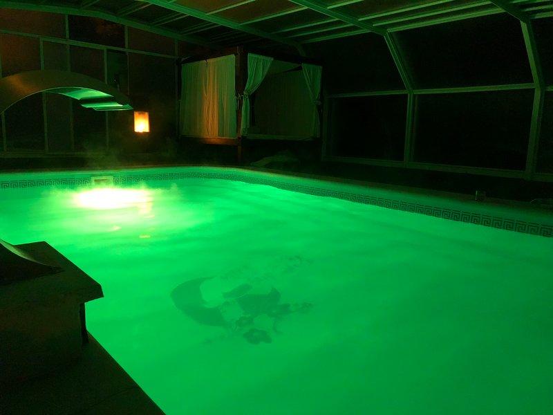 Spacious villa with swimming-pool, alquiler vacacional en Moclín