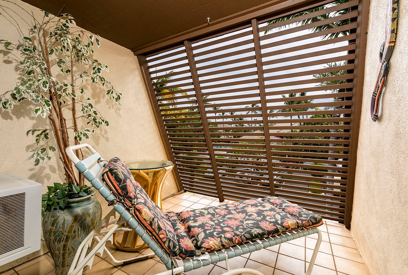 Private lanai with privacy screen off upstairs bedroom