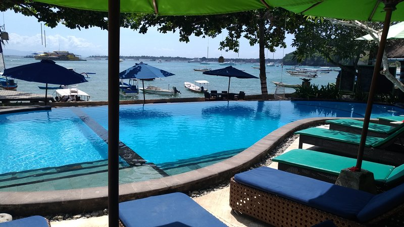 Tamarind Beach Bungalows, Standard Room beach front, holiday rental in Nusa Lembongan