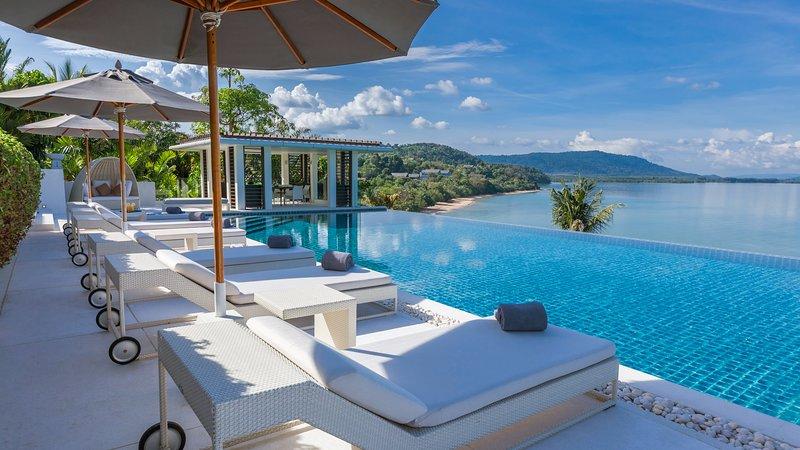 Villa Ocean's 11 - Luxury Villa Overlooking Phang Nga Bay, aluguéis de temporada em Thalang District
