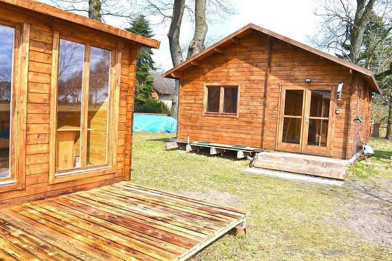 Schönes Holzhaus auf altem Resthof, holiday rental in Wunstorf