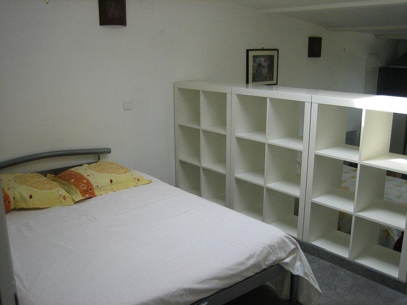 independent annex room