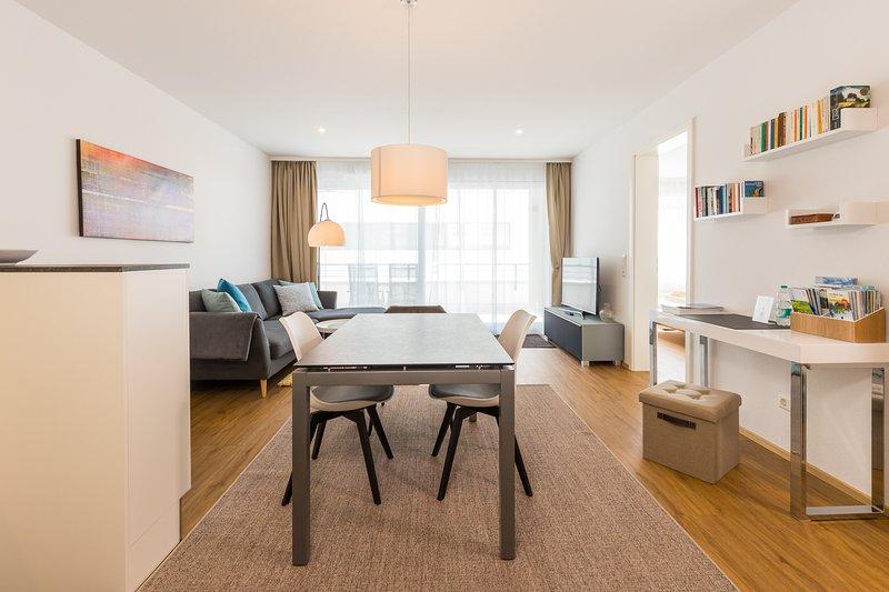 Apartment ALEX - in der 'Neuen Mitte' von Überlingen, holiday rental in Überlingen