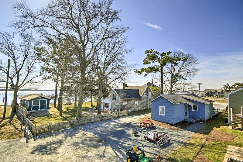 Enjoy peek-a-boo views of the Indian River and the quiet neighborhood.