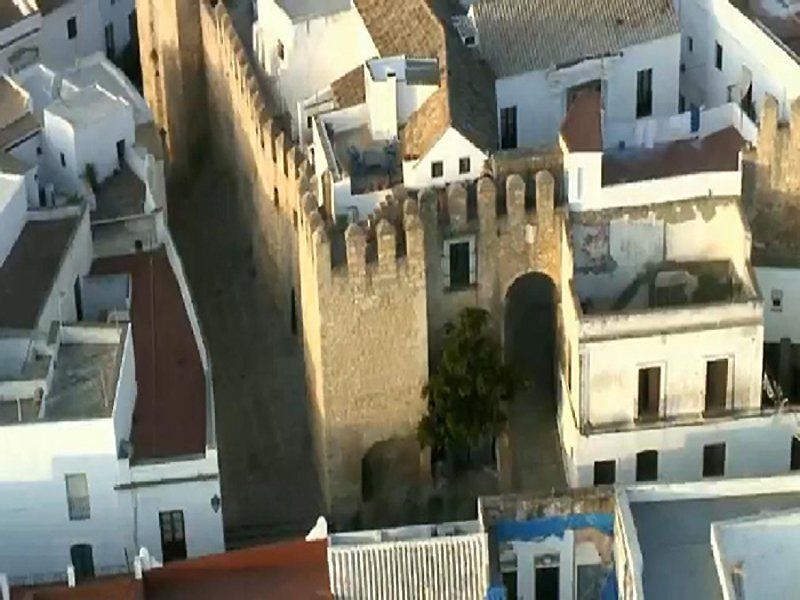 Aerial view of arch Sancho lV