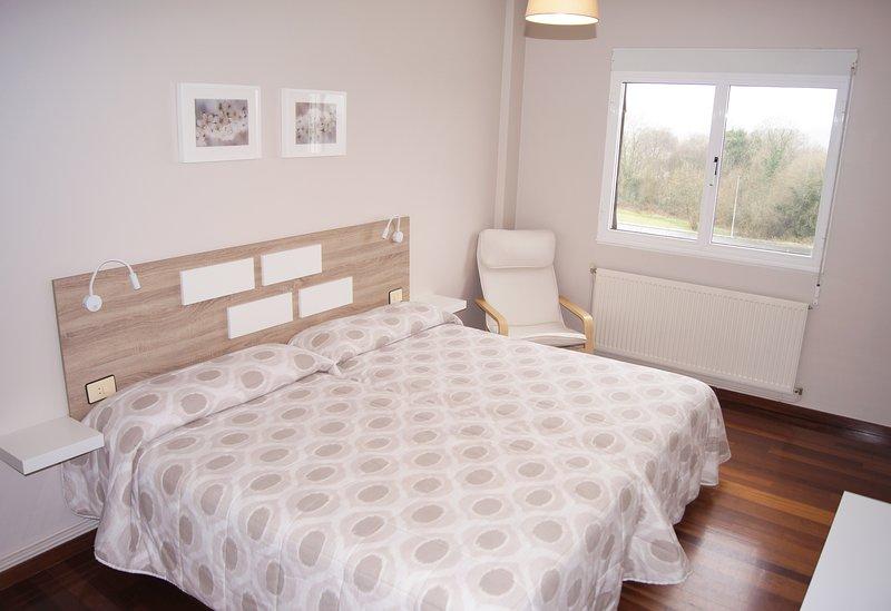 Apartamentos Turísticos Guillermo, holiday rental in Friol