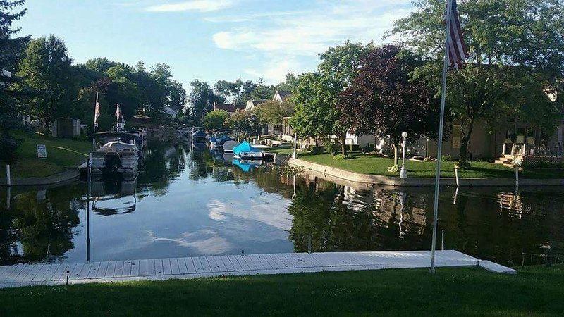 Wawasee Channel guest suite Has Grill and DVD Player ...