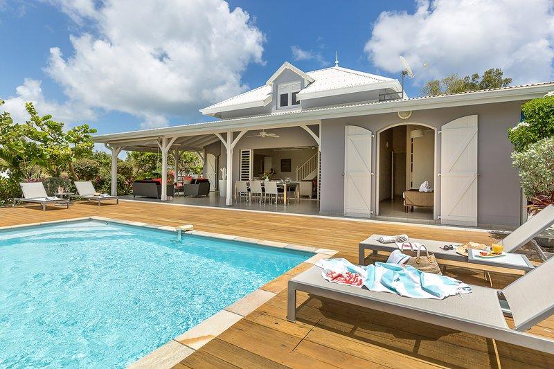 location de standing, 4 chambres et piscine privée