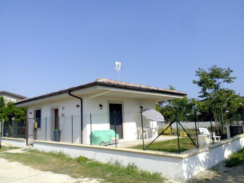 Villa Trinca con Giardino al Mare Fondi/Sperlonga, alquiler vacacional en Monte San Biagio