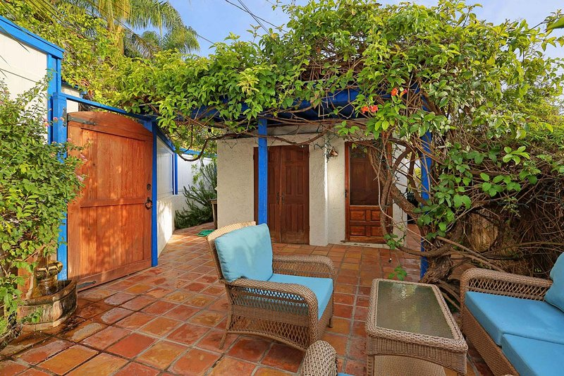 Santa Monica Serenity Cottage, holiday rental in Santa Monica