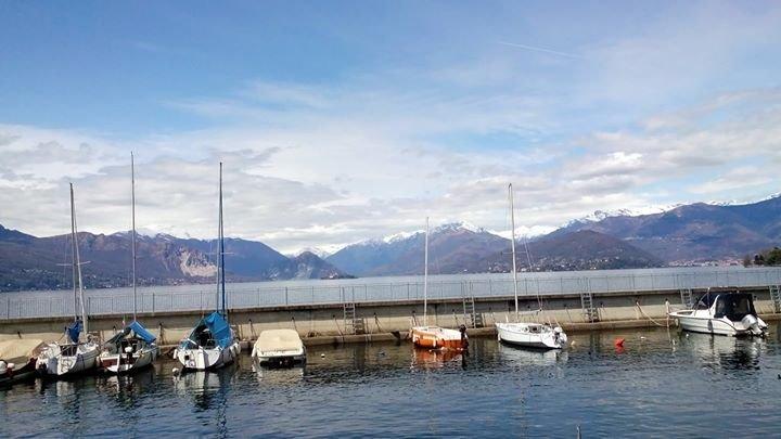 trilocale splendida vista lago Maggiore affittasi, vacation rental in Laveno-Mombello